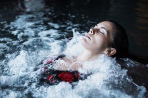 Spa professionnel à débordement Mila |Pool Spa| Bien-être